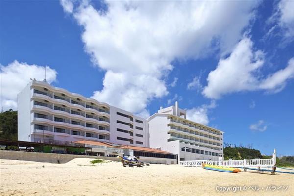 【海開き】1キロ以上もの長い白浜が魅力!今帰仁村にある「ウッパマビーチ」