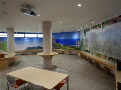 辺戸岬にカフェ併設の新スポット、辺戸岬観光案内所「HEAD LI