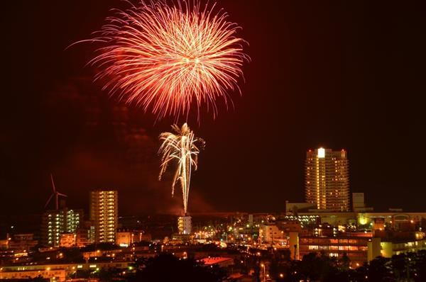 ザ・ビーチタワー沖縄 開業15周年!打ち上げ花火や縁日イベントが楽しめる周年祭を開催
