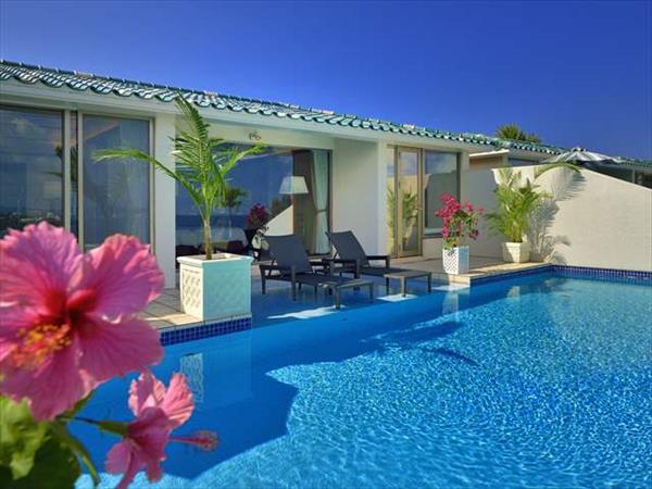 国内最大級のプライベートプールを全室に完備! 大人のための隠れ家リゾート「オリエンタルヒルズ沖縄」