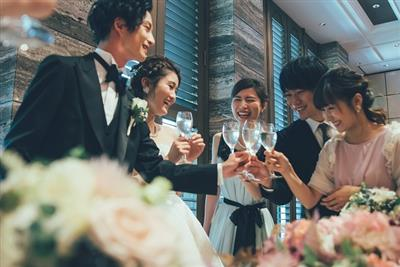 """【沖縄県民の口コミから徹底分析】出席したくなる""""おいしい""""結婚式"""