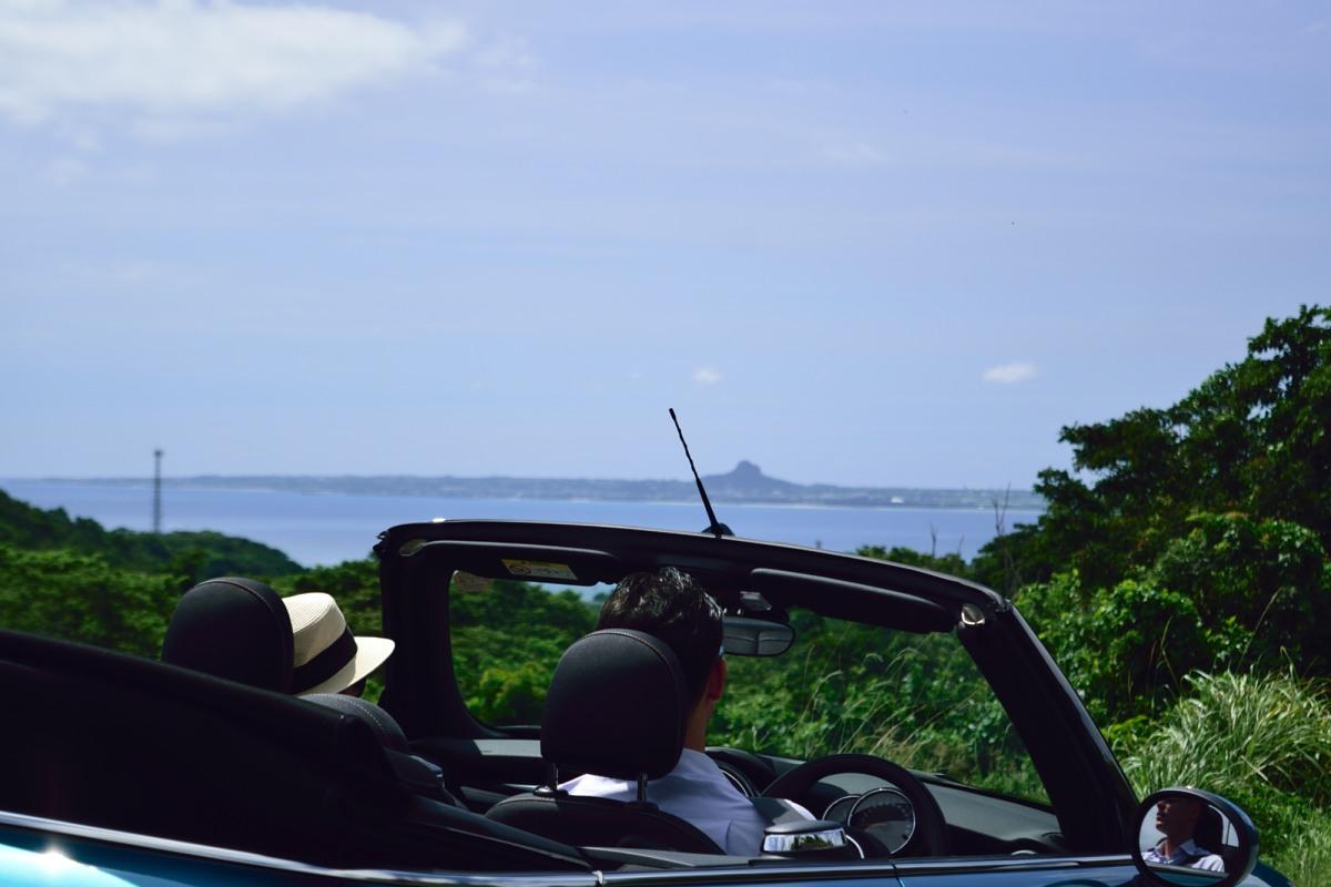 遠くに見える伊江島たっちゅー