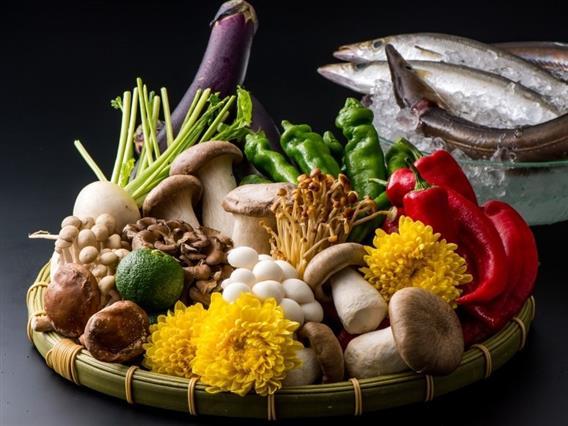 京野菜や旬の魚介類、沖縄では珍しい鱧など京都ならではの素材も