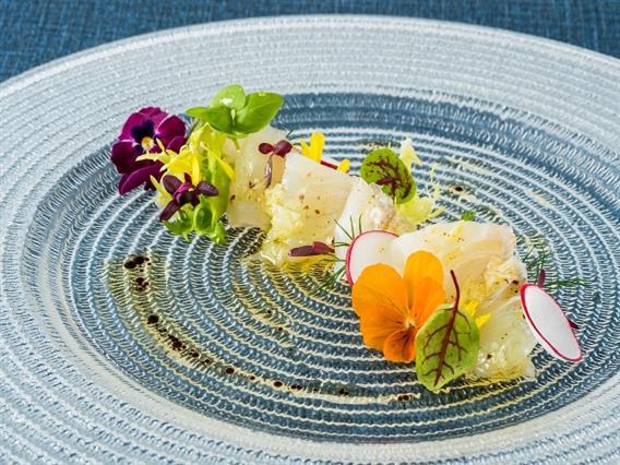 新鮮な県産魚をエスカーレスタイルで