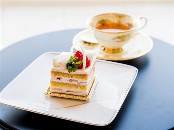 女性パティシエが手掛けるホテルメイドのケーキは季節ごとに新作が