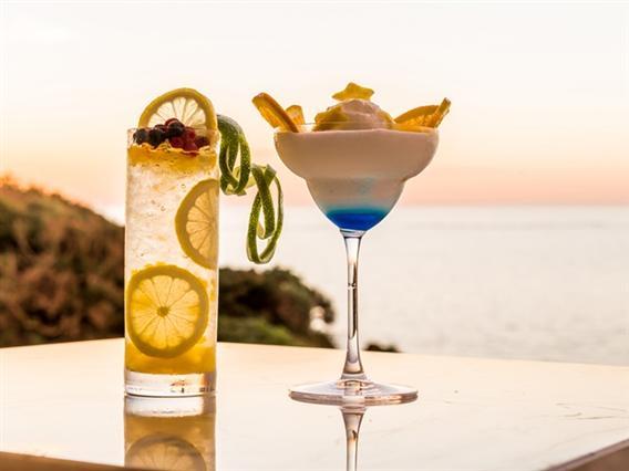 カクテルや洋酒までバリエーション豊富なドリンクが揃います