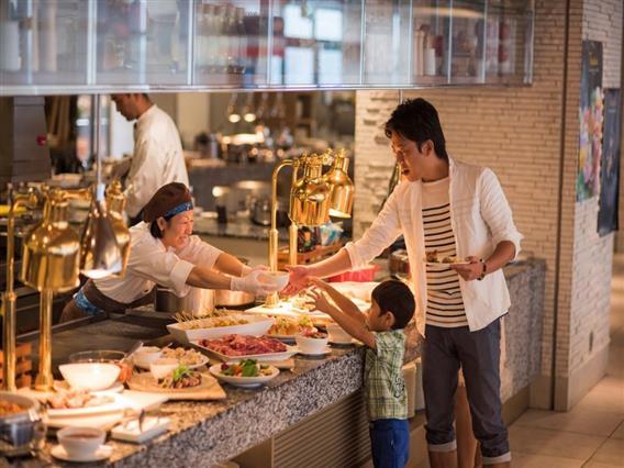 ご家族みんなでお食事タイムをお楽しみいただけます