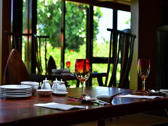 レストラン マカンマカン