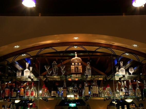 バータイムは、スタンダードカクテルからトロピカルカクテルまでお楽しみいただけます