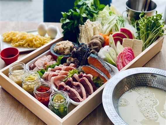 ALLY's Okinawa Chatan